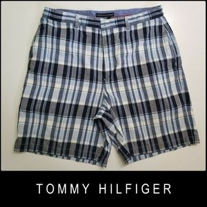 Tommy Hilfiger Men's Flat Front Shorts  Size 36